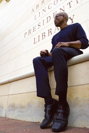 Dancer and Choreographer Bill T. Jones at the Abraham Lincoln Presidential Library in Springfield, Illinois. Photo by Russell Jenkins, 2009 (pd).