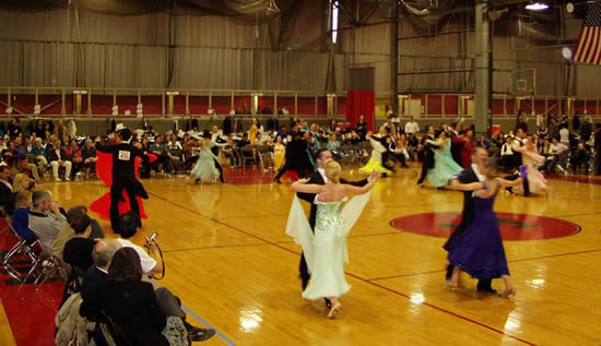 Standard dancing (prechampionship final) at the 2006 MIT Ballroom Dance Competition (Photo by Nathaniel C. Sheetz)